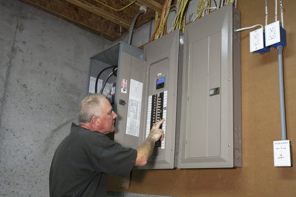 How to tell if a fuse is blown in your home